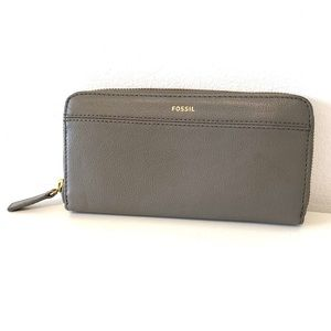 Fossil | gray leather wallet with zipper